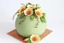 Creative CAKES, DESERTs & FOOD / Another Art.. It's too beautiful to be eaten.. / by Amal Zarour