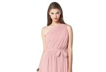 Dresses / by Jessica Hartas