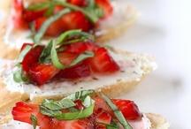 Recipes  / Dinner Lunch Breakfast Goodies Yum OMG / by Katy Yocom-Yenawine