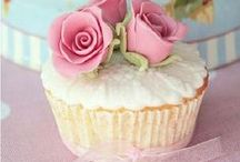 cupcakes, cake pop e doces / by BRAGA & BRAGA