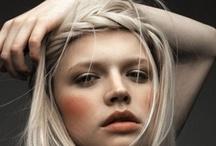 Hair / by Daniella Garcia