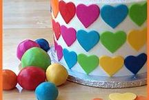 < Decorating Basics > / Cake and cupcake tutorials from littledelightscakes.com  / by Beth Gambee