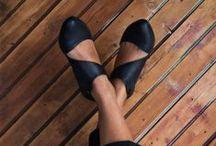 Los pepés preferidos... / zapatos, botas, sandalias. / by Susana Merlo de Novillo