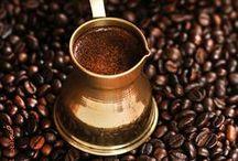 Coffee Break ~*¨*~ / by Lieve Zwaan  ৶