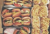 Delicious Meαls  / ωɦєи ɨ ℓღღќ ɑт тɦє ρɨςтµʀєs ღи тɦɨs вღɑʀ∂ ɨ ɑʍ ɢєттɨиɢ ʀєɑℓℓγ ɦµиɢʀγ, ∂ღи´т γღµ?!? : ) / by Sαrαh❤