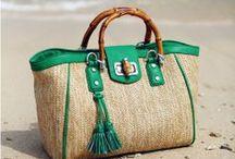 Bags and necessaires / by Mardeli Bazán Mendoza