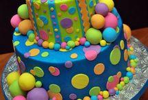 Amazing CAKES !! / by Lisa Gane
