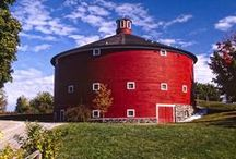 Round Barns / by Denise Noonan