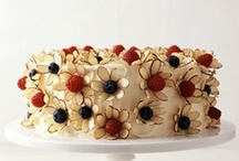 CAKES... / by Lupe Ayllon Menoyo