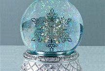 Snow Globes! / by Carolyn Parsons