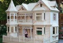 Dollhouses / by Jette Bryldt