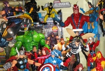 Collectible Displays / Showcase and ideas of how people display their collectibes (toys, comics, shoes, cool stuff!) / by Inner Geek