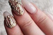 Nail artsy / by Nadia Forteza