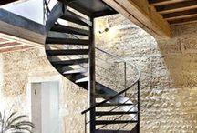 Escalier Décoration Chalet, Maison ou Appartement de Montagne / Escaliers Décors® (www.ed-ei.fr) vous propose ici un cahier de tendances sur la décoration de style montagne pour que votre escalier s'harmonise avec votre décoration, votre mobilier, vos goûts, votre personnalité. Vous aimez les objets qui ont une histoire et une patine. Vous souhaitez valoriser l'histoire de votre chalet, maison ou appartement. Ici nous mettons en valeur les matières naturelles comme l'acier, le fer, le bois, les finitions patinées. Avec Escaliers Décors®, imaginez le vôtre ! / by ESCALIERS DÉCORS® www.ed-ei.fr