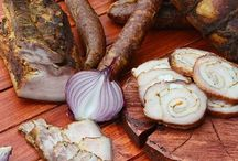 Romanian Food / by Cristina Ferent