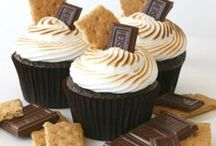 Muffins and Cupcakes / by Lorie Iannitelli
