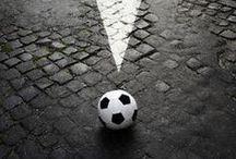 Todo sobre balones de fútbol / http://bit.ly/1nvexiq / by Subside Sports