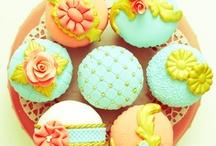 Cupcakes / by Darlene - Make Fabulous Cakes
