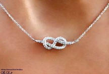 Jewelry / by Tanya Demyen