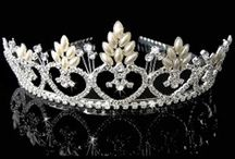 Coronas/crown / thiaras  / by Pamela Sepúlveda Rivillo