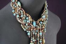 DIY Jewelry / by Bonnie Hogue