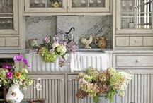 Decorating ideas / by Peggy Holcomb