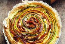 Surprenantes tartes salées. / by Viève H