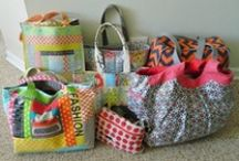 Bags,.....bolsos y otras hierbas / by Mariaelena Munoz