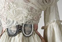 Period Dress / by Leslie Craig