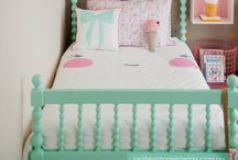 Sweet Child of Mine / Inspiration for kids rooms and playhouses! Colorful accents, bunker beds, toys and games, Mary Poppins and perfect mothers! Nice ideas to make their rooms cheerful, their life full of laugh and our hearts full of love! / by Camila Cilento - Blog I Am Leaving Today