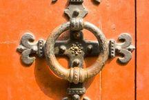 ... door knockers ... / by FLOSSIE