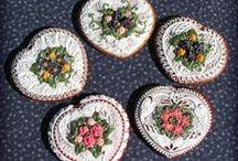 I love cookies 1 / Biscotti decorati con royal icing / by Beatrice Szurek