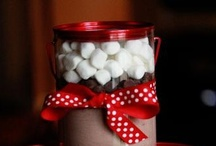 Gift Ideas / by Taylor Venezio