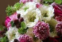 Floral Art & Flower Arranging / by Val Reed