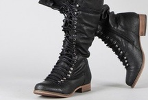 Boots! / I love boots all and any / by Sara Violassi