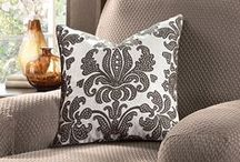 DECOR - Damask It / Such a beautiful print to add a little flair!!! / by Michelle Eliason