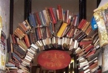 Bookshelves and Libraries / by Amanda Lewman