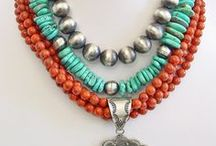 Accesories, NECKLACES, BISUTERIA / by Mayra Dayly Moran