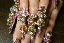 Bead addiction / Beaded jewelry designs  / by Peggy Lipp