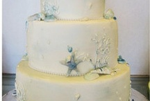 Wedding Cakes / A collection of designer wedding cakes / by Annette Gonzalez