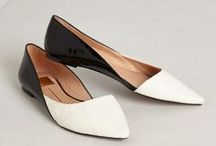 chaussures / by kate la sirena