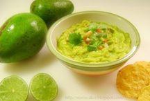 Gravy and Sauces / Salsas / by Mari Nunez (Mari's Cakes)