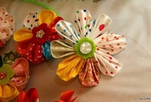 Crafts - Flowers to Make... / Many different (and I wish easy) ways to make flowers with different materials. / by Paula Navarro