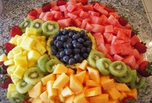 Fruits & Vegetables / by Isabel Lino