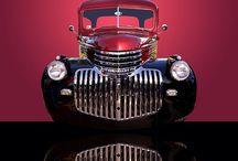 Pickup Trucks Suburbans Trucks / by Raeder Lomax