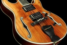 Guitars / by Sergio Vigo