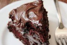 Sweeeet~Cakes~n~Cupcakes~n~Frostings / by Tamera Sarkozi