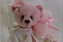Bears and art dolls - I love / by Catherine Last Name