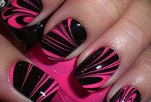 nails / by Jennifer Nogy