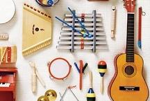 Suonare / Musica in culla, strumenti musicali fai da te, arte sonora per bambini... ecco tanti modi per scoprire la musicalità insita in ogni bambino. / by iDO Bambini Creattivi